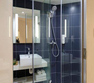 Blauwe badkamer tegels