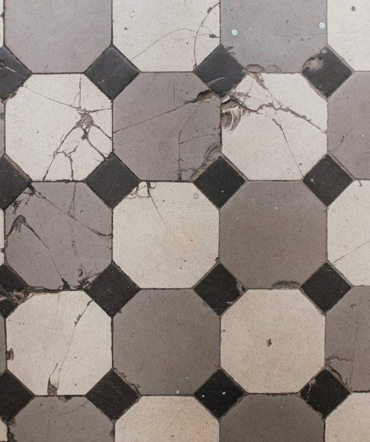 pexels-photo-4752996 Beschadigde tegels